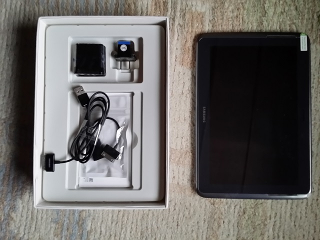 Galaxy Note 10.1(2012)開封の儀(付属物)